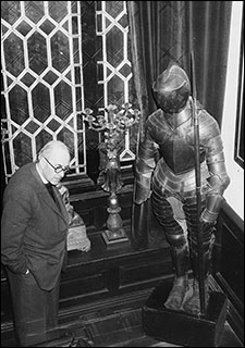 "Mr. Sharpley and his suit of armour ""Horace"""