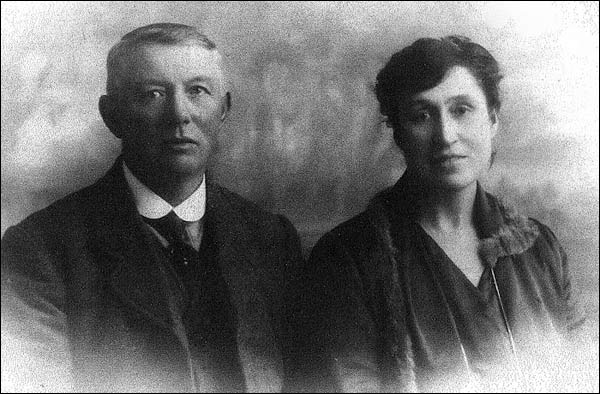 Harry Ringrose Gent and his wife Edna