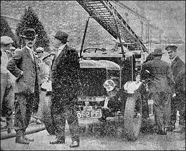 Fire engine demonstration 1927