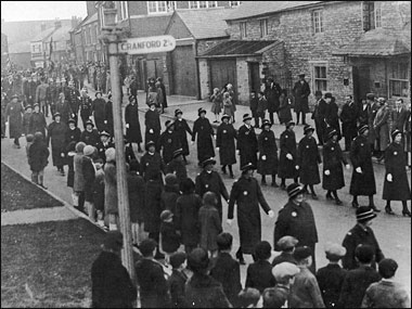 Ladies of the St John Ambulance Nursing Division marching past Osborne House at The Cross c1932
