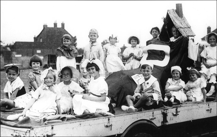 BL Council Infants on Gala Parade float c.1938