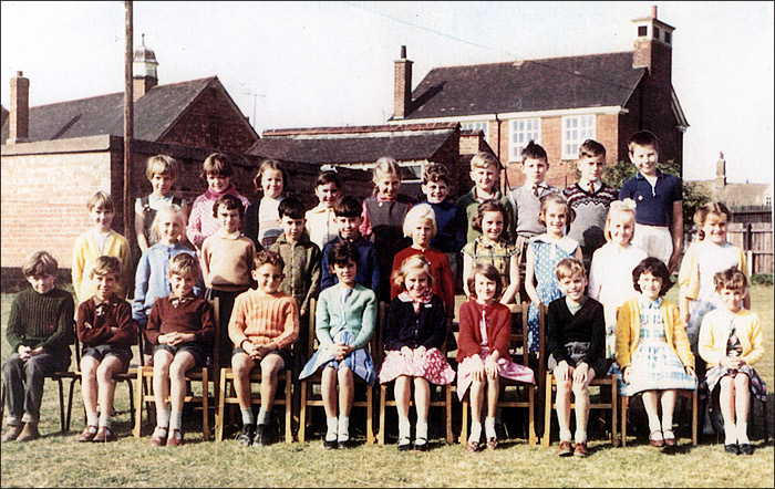 Burton Latimer Council Junior School - Miss Appleby's Class 1964-5