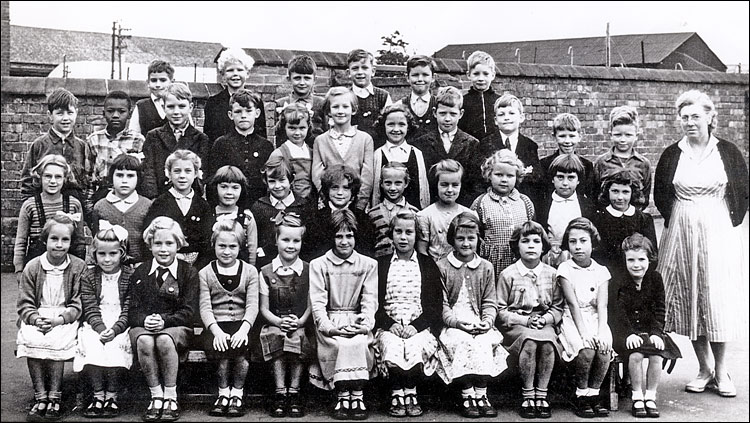 Burton Latimer Council School - Miss Leach's Class 1955-6