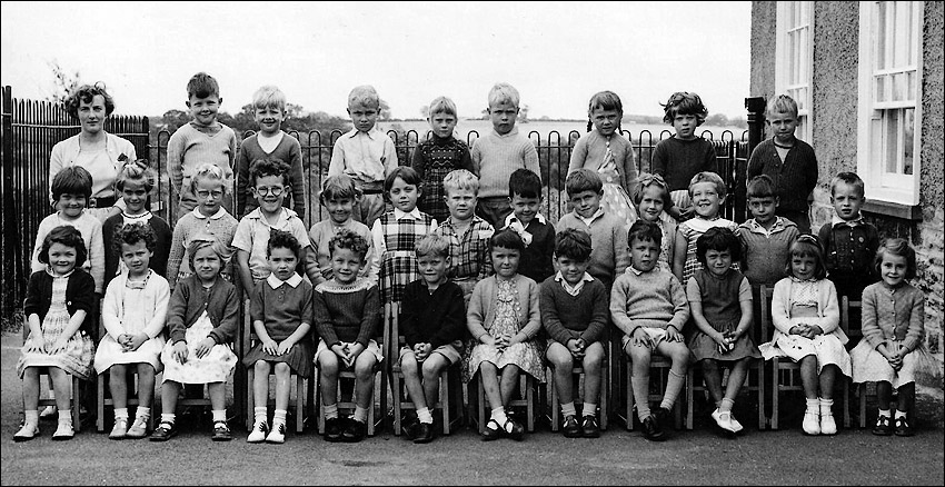 Burton Latimer Council Infants School - Mrs Cleaver's Class 1961-62