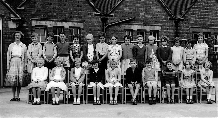 Burton Latimer Council School - Miss Ireson's Class early 1960s