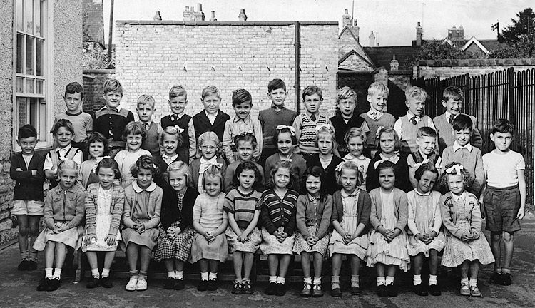 Burton Latimer Council Infants School - Unidentified Class c.1956