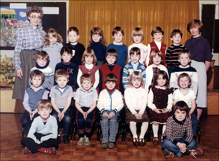 Meadowside Infants School - Mrs Pearson's Class 1984
