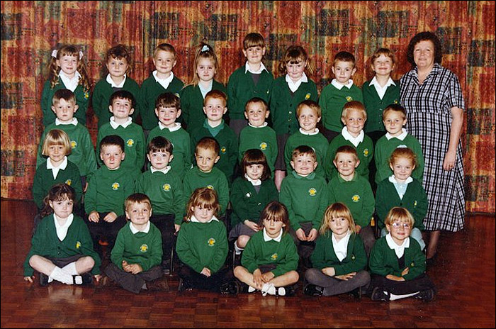 Meadowside Infants School - Reception Class 1999-2000