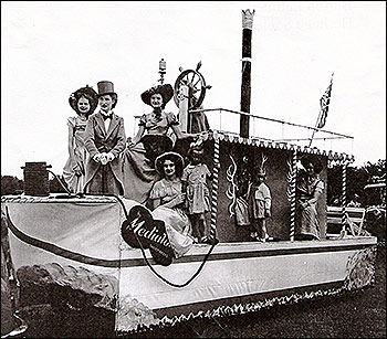 Showboat the prize winning entry from Mediator in 1953 carnival