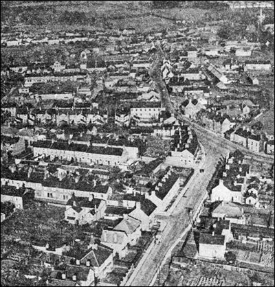Aerial view of the Finedon Road end of town in the late 1960s