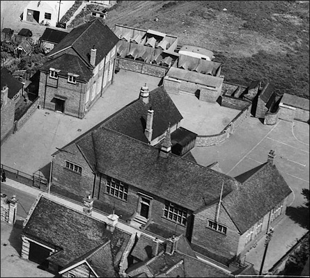 Burton Latimer County Junior School in 1950 - aerial view from the southwest