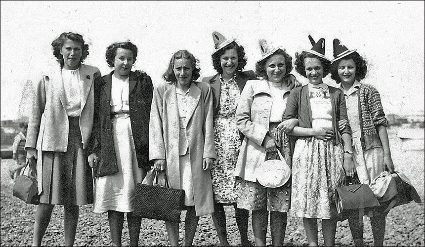 Girls from Ideal Clothiers at Brighton 1949