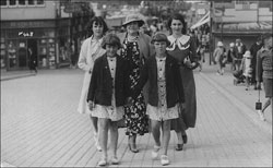 Photograph of Joan, Aunt Til, Edith and twins at Mablethorpe