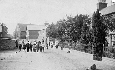 Meeting Lane c1910. On the right is Osborne's Terrace.