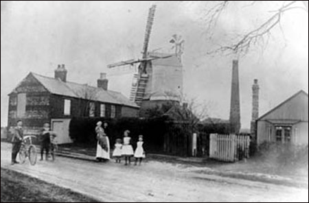 Mrs Prudence Hodson and family near Windmill Cottages circa 1906.The bungalow on the right was probably the Burton Ironstone Company offices.