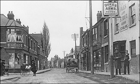 Photograph of The Dukes Arms taken in about 1920.