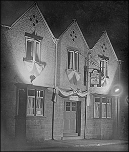 Photograph of The Dukes Arms in the mid 1940s
