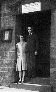 Ron and Betty Thornton outside the Dukes Arms in 1946