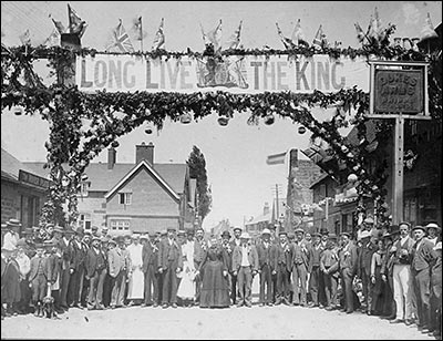 Photograph taken outside The Dukes Arms during the coronation festivities of Eward VII in 1902.