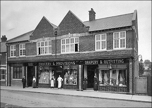 Newly opened High Street premises - 1913