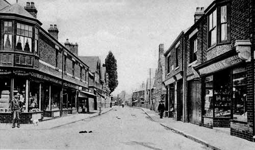 A view of the High Street looking north in 1910