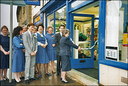 Carol Bewers opening the re-located Co-op store in 1989