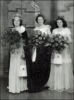 1949 Queen Dorothy Jones with Jean Cossey and June Tapp