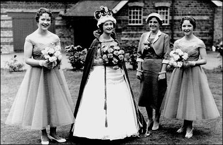 After the 1958 crowning: Kay Jempson, Pat Johnson, Mrs Hilda Morby and Pat Smith