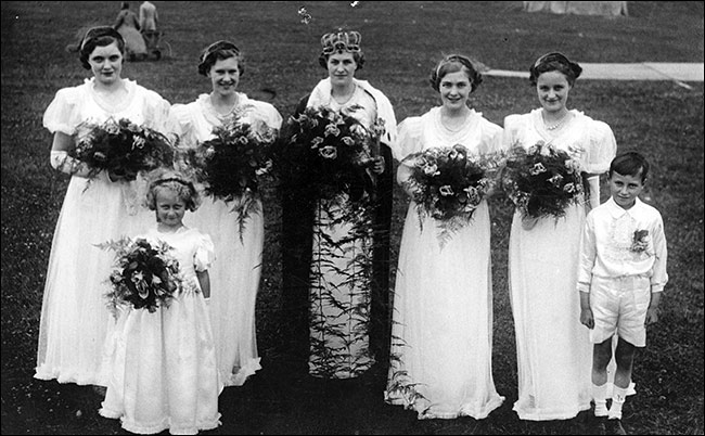 Mary Wright the 1937 Queen with her attendants