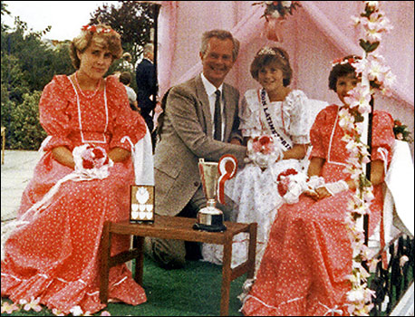 1984 Pricess Nicola Ellerby with Graham Bell and attendants Julia Nicholls and Caroline Arthurs