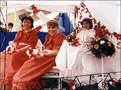 1985 Princess Caroline Arthurs and attendants Katie Smith and Nicola Page