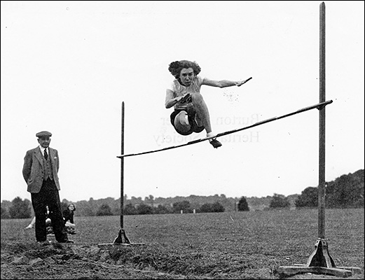 Margaret Thurlow competes at the 1951 Kettering & District Schools Sports day.