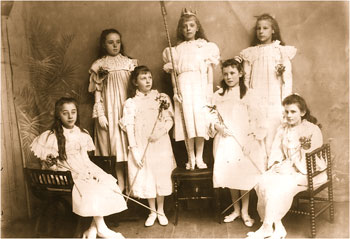 Photograph showing the cast of Cinderella: Standing at back: L to R: Lizzie Butlin, Lucy Tailby, Emma Smith.  Front L to R: Gwen Coles, Mabel Talbutt, Violet Boardman, Grace King
