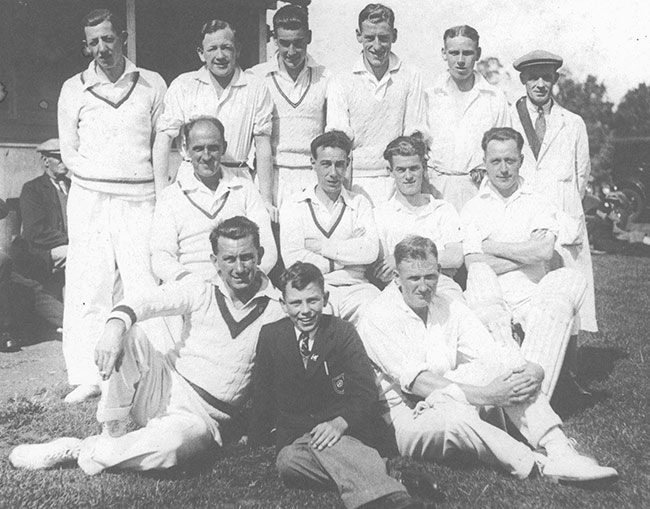 Photo 1935 Burton Latimer Cricket Team