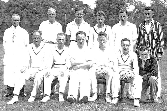 Photo Burton Latimer Cricket Team in late 1930s-early 1940s
