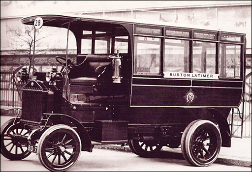 The Midland Railway Wolseley Bus which ran between Kettering and Burton Latimer in 1911